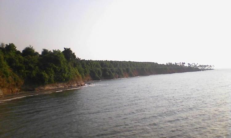 Pantai Punuk Sapi