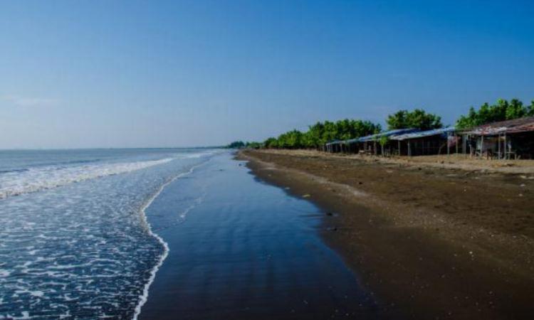 Pantai Randusanga