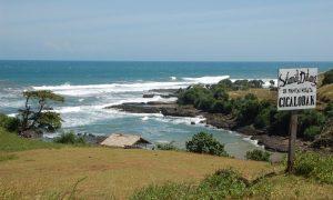 Pantai Cicalobak