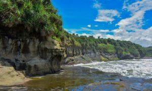 Pantai Karang Tepas