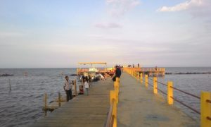 Mengenal Pantai Tirtamaya yang Memukau
