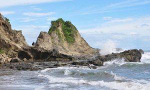 Sekilas Tentang Pantai Karang Nini di Pangandaran