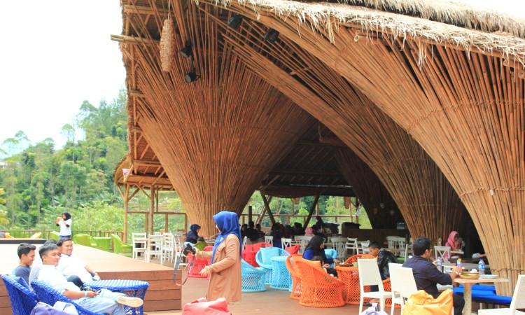 Fasilitas yang Tersedia di The Lodge Maribaya