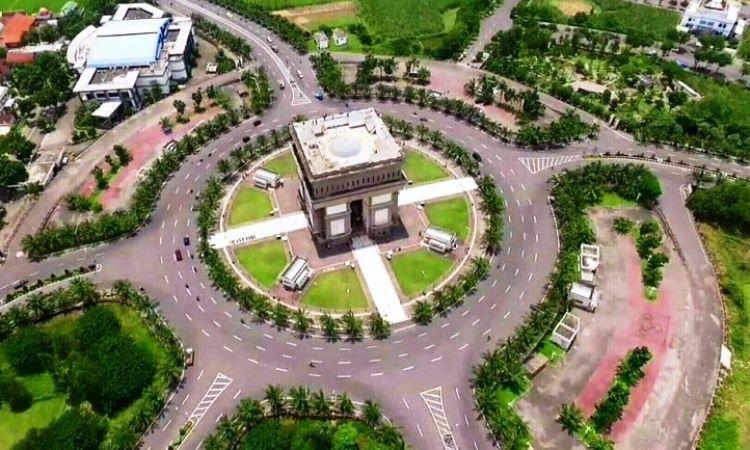monumen Simpang Lima Gumul (SLG) Kediri