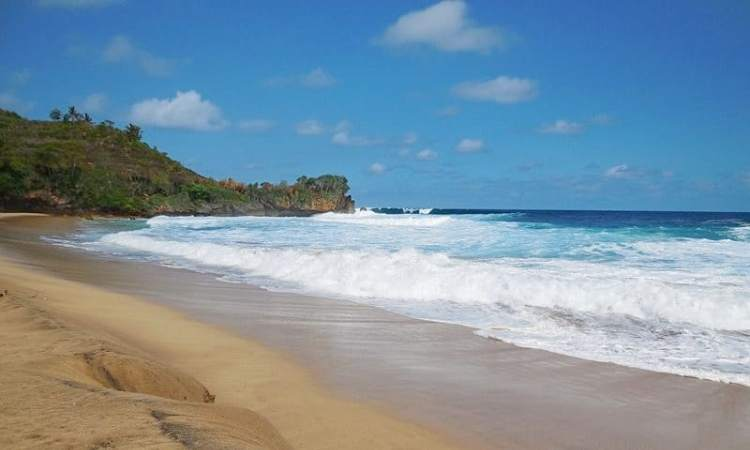 Pantai Nganteb