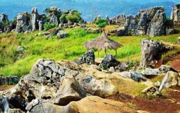 Intip Pesona Taman Batu (Stone Garden) Bersejarah di Padalarang Bandung