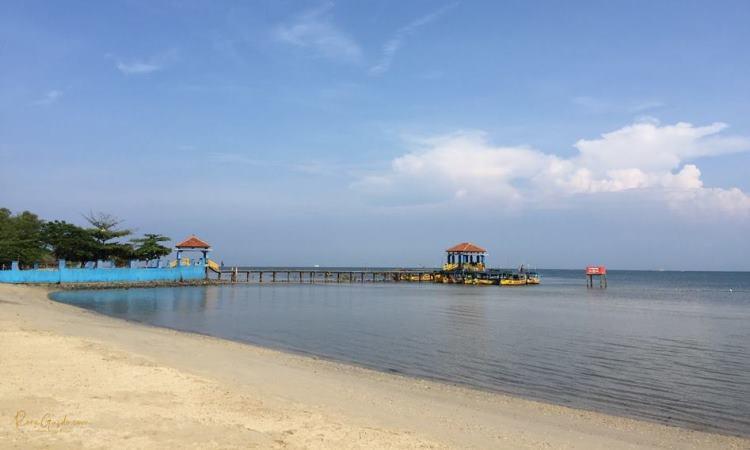 Pantai Bandengan, Indahnya Pantai Berpasir Putih di Kota Jepara