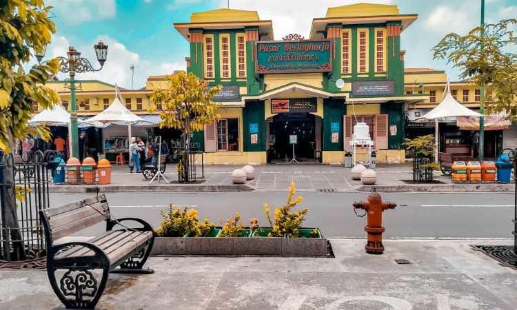 Bentuk Struktur Bangunan Pasar Beringharjo