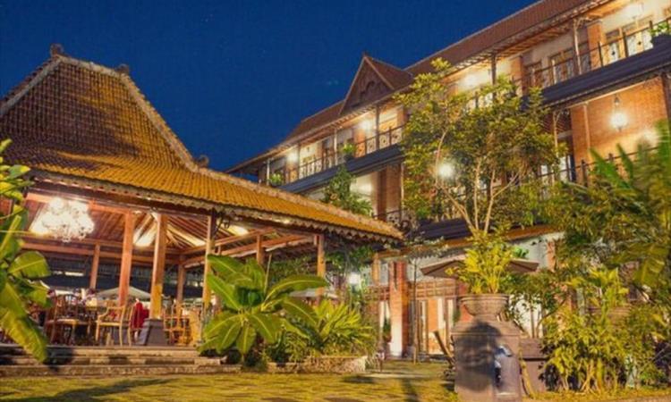 Omah Sinten Heritage Hotel And Resto