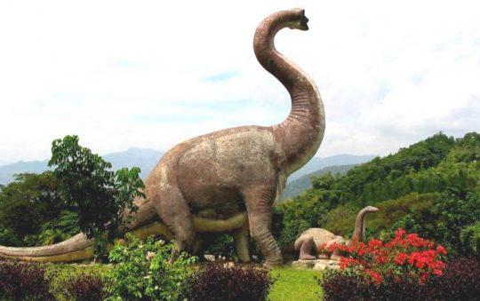 Taman Dinosaurus Majalengka, Objek Wisata Keluarga dengan Beragam Wahana Seru