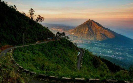 Gunung Telomoyo, Menikmati Panorama 5 Gunung Sekaligus di Jawa Tengah