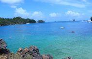 Eksotisnya Pantai Tiga Warna, Pesona Pantai Bersih Nan Asri di Malang