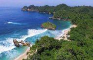 Pantai Banyu Meneng, Pesona Pantai Tenang yang Menyejukkan Hati di Malang